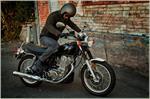 2017 Yamaha SR400 - Action Black