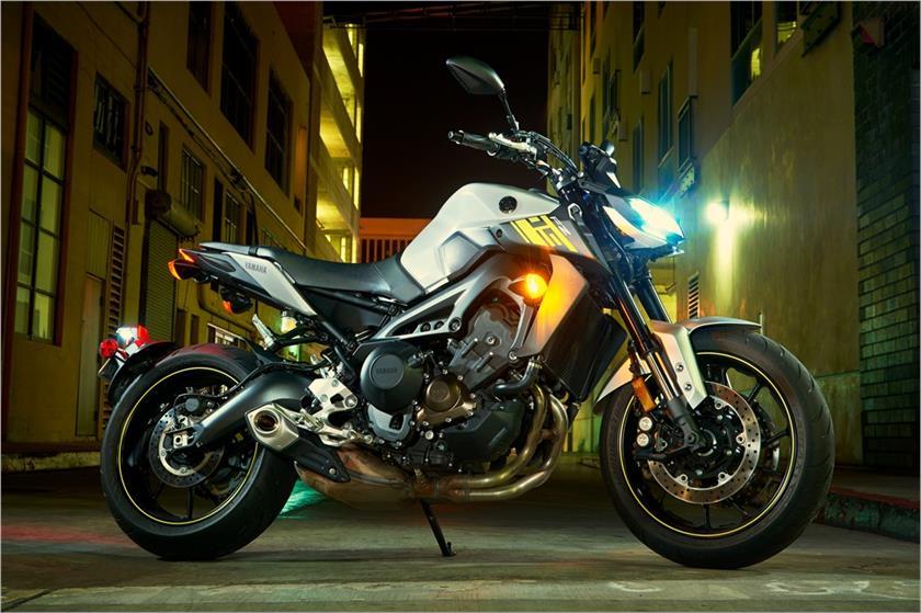 2017 Yamaha FZ-09 Hyper Naked Motorcycle - Model Home