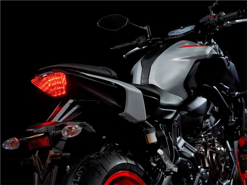 2020 Yamaha MT-09 Hyper Naked Motorcycle - Specs, Prices