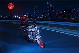 2019 Yamaha MT-10 - Action Silver (Hyper Naked)